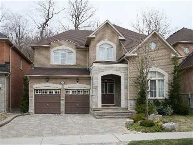 88 Bathurst Glen Dr